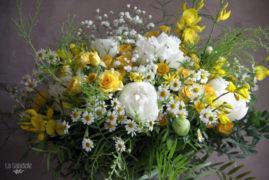 La-Saladelle-Bouquet-champêtre-jaune-et-blanc