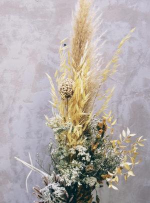 Grand-bouquet-haut-fleurs-séchées-ton-naturel -La-Saladelle